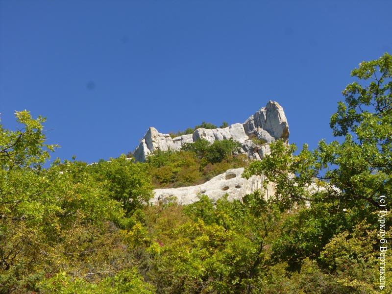 Турклуб «ВЕРТИКАЛЬ» идет в пеший поход по Пещерным городам Крыма